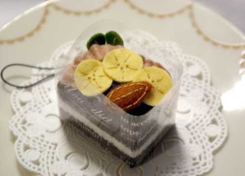 20090214 フェルトチョコレートケーキ
